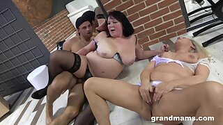 Grown up BBW in stockings fucked with her mature best friend by one guy