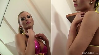A blonde babe who loves to fuck unending