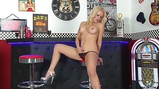 Busty beauteous slut Frankie takes off her panties to play in the prohibit