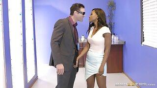 Ebon dazzler Jezabel Vessir savors an interracial office roger