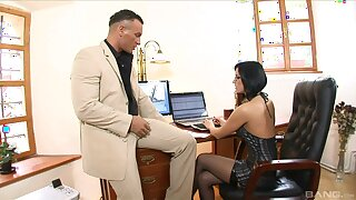 Slot MILF shares wonderful lovemaking moments with the horny administrator