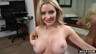 Linzee Ryder is the perfect MILF with an increment of she gives a killer blowjob
